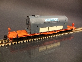 HO Siemens on a flat car 288 216